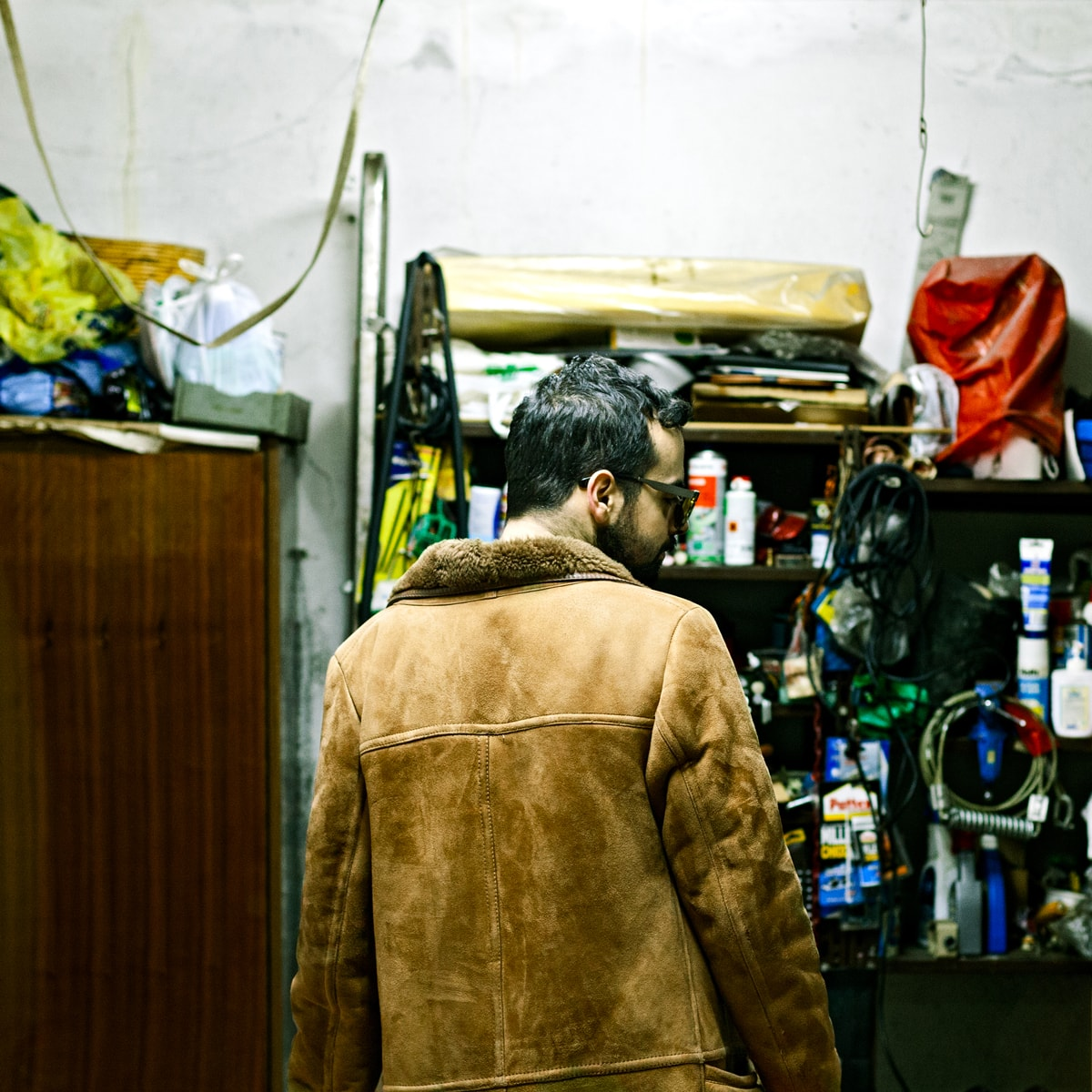 stanthony-music-garage-portrait-from-behind